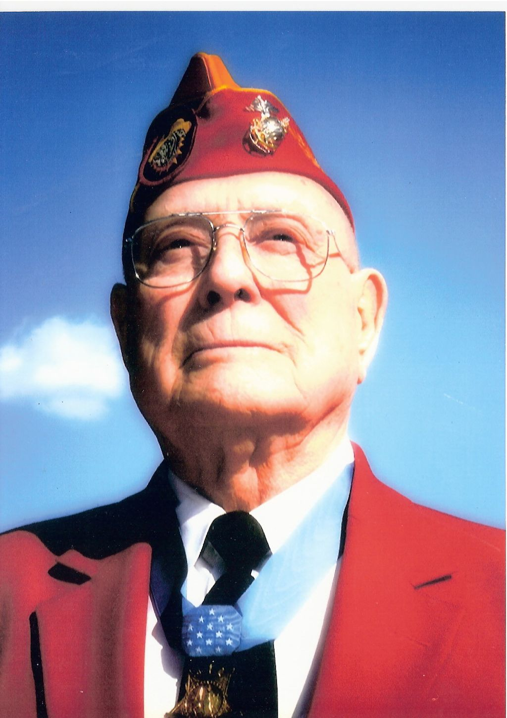 Recent photo of Hershel Williams wearing the Medal of Honor